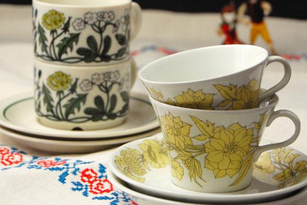 花のカップ