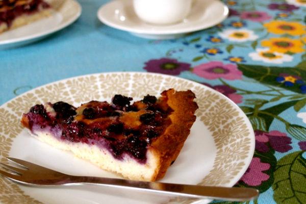 優しい雰囲気のプレートでフィンランドの夏の定番お菓子