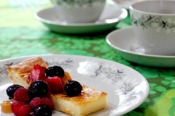 鈴の形の花柄「Tiuku」とフィンランドのパンケーキ