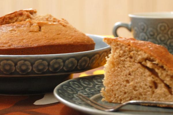 北欧の食器に北欧のケーキ