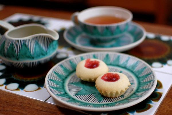 ハッロングロットルのレシピとクピッターンサヴィの手彩色食器