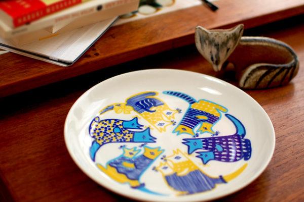 カンガルーを描いたフィンランドの子供用食器