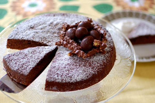 イースターのチョコレートケーキ