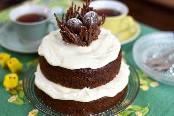 ブリティッシュベイクオフに影響されてイースターのチョコレートケーキを作る